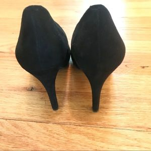 Jessica Simpson Shoes - Jessica Simpson black sueded heels